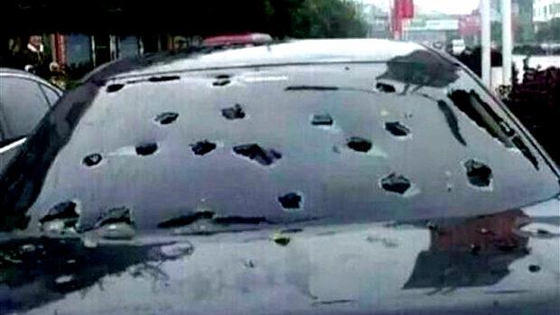 中国、天気予報「また雹が降るかも」市民「ヤバい!急いで車にアレを…!?」