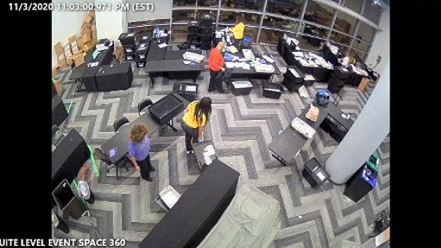 米国、ついに動かぬ不正の証拠が…!? ジョージア州の集計会場の監視カメラ映像