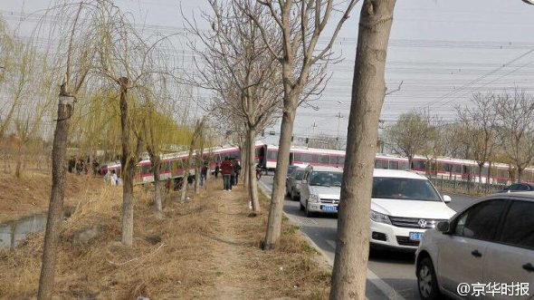 【中国】北京地下鉄、試験走行中に脱線!2