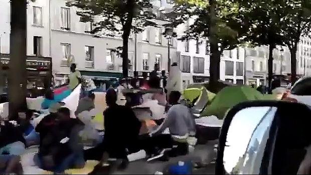 「パリ」移民が増えてこの有様。