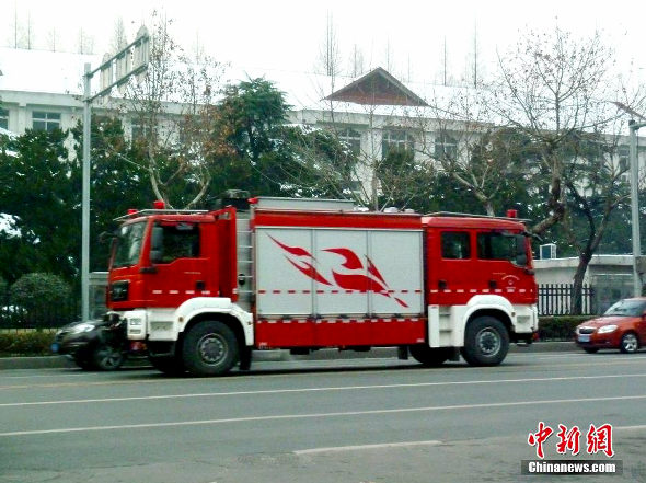 中国、まさかの「双頭」の消防車が登場!1