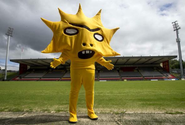 英スコットランド、サッカー ...