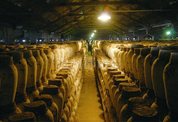【中国】「紹興酒」湖の水を醸造に使うはずが、「10年前から水道水」2
