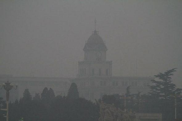【中国】北京、スモッグで真っ暗4