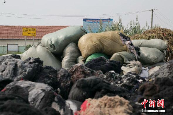 【中国】杭州湾の汚染ゴミの様子3