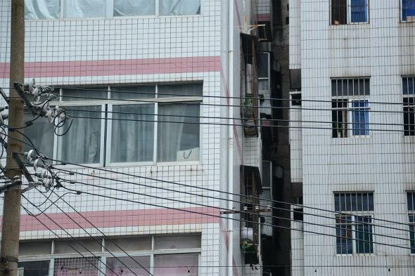 【中国】南寧に大量の「キスビル」が出現!2