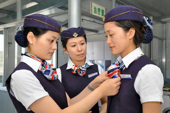 中国、看護師の制服がスチュワーデスの制服の病院3