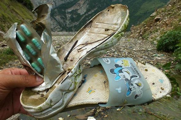 【中国】三峡ダムに浮かぶ大量のゴミ!7