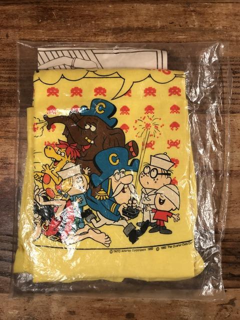 """Vintage Cap'n Crunch """"It's Space Invaders"""" Kids T-Shirt (1)"""