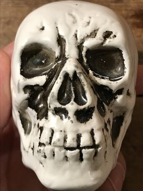 vintage ceramic skull salt & pepper shaker (16)
