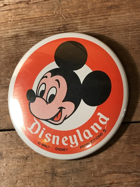 vintage disney land mickey mouse can badge (4)