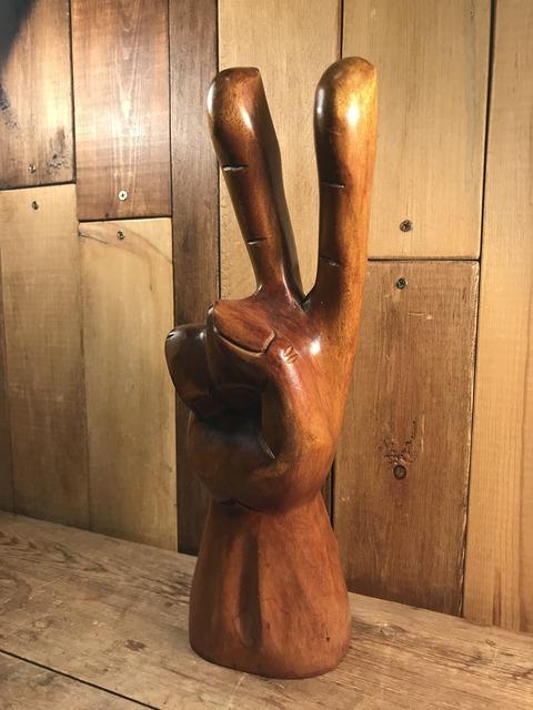 vintage wooden peace sign figurine (133)