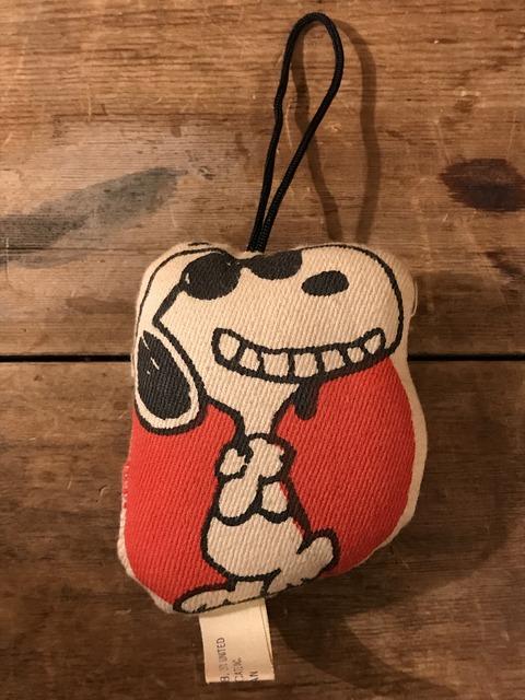 vintage snoopy peanuts cross ornament (1)