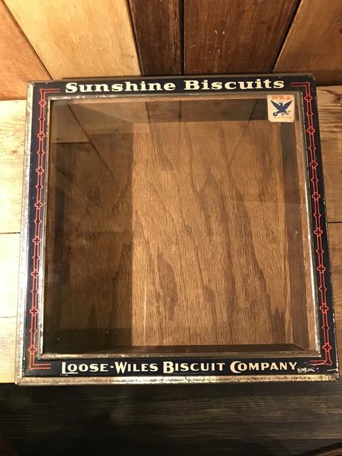 vintage sunshine biscuts metal display case (1)