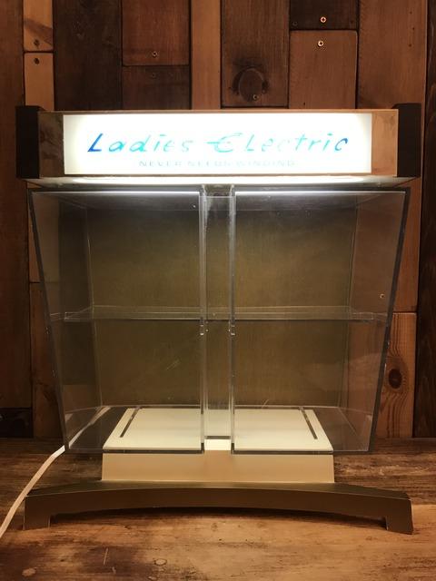 Vintage Ladies Electric Lighted Watch Display Case (22)