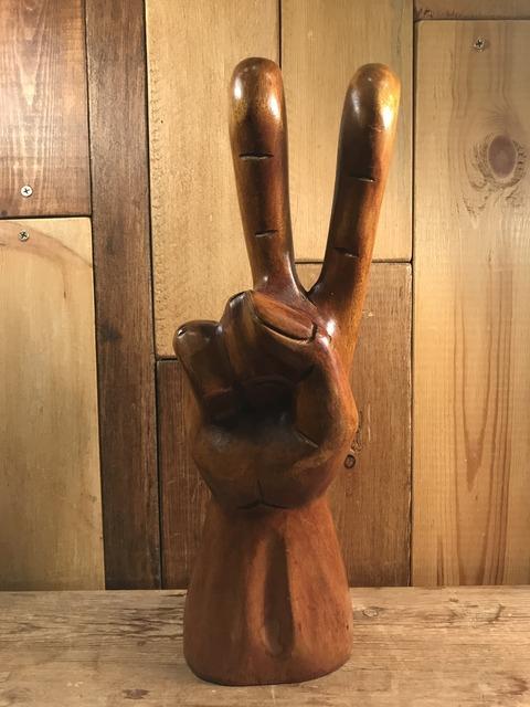 vintage wooden peace sign figurine (131)