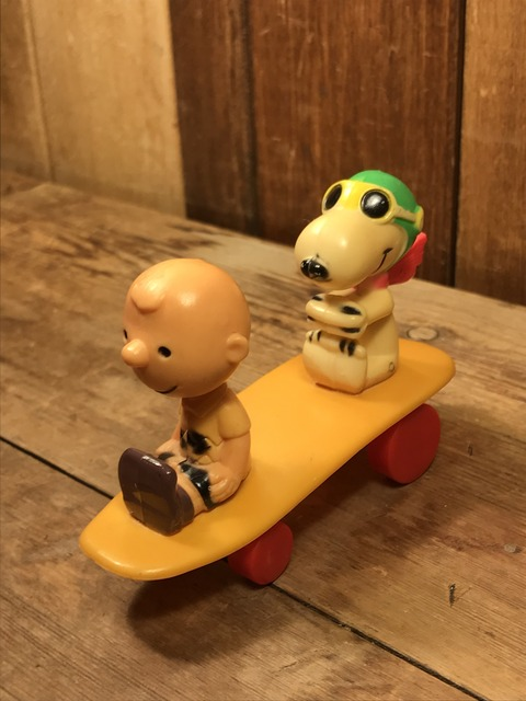 Vintage Aviva Snoopy & Charlie Brown Skateboard Toy (3)