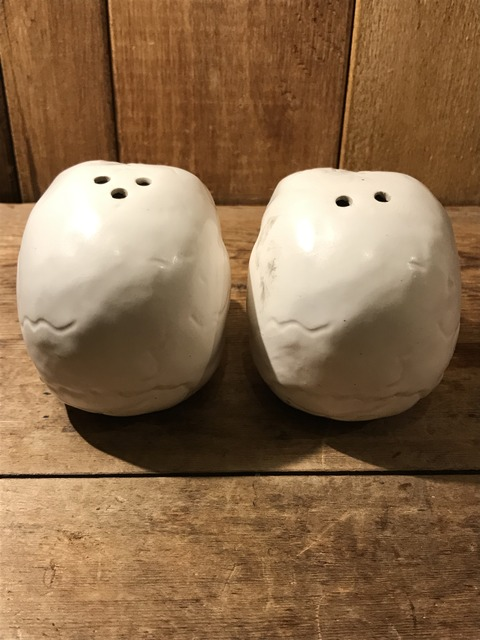 vintage ceramic skull salt & pepper shaker (4)
