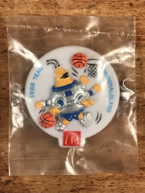 "Vintage McDonaldland ""CosMc"" Olympic Team Clip Badge (1)"