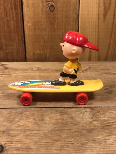 Vintage Peanuts Snoopy Charlie Brown Skateboard Toy (4)