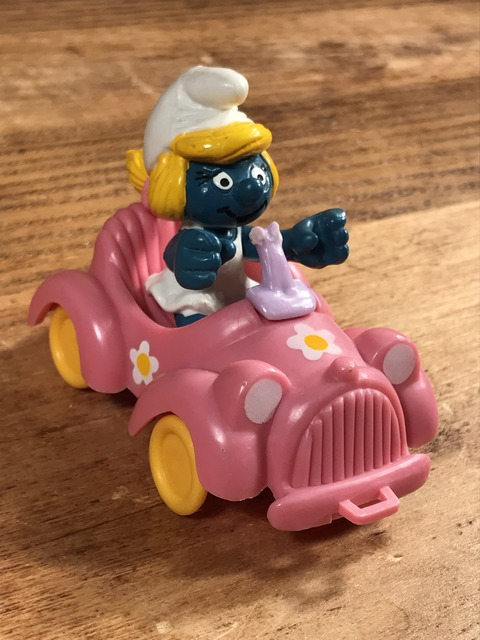 "Vintage Schleich Smurfette ""Pink Open Car"" PVC Figure (3)"