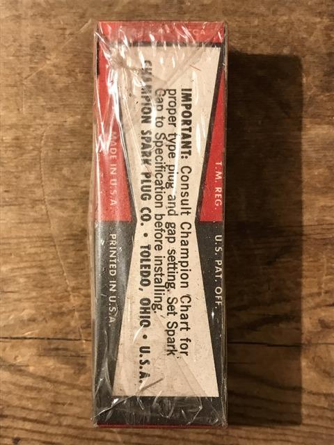 vintage champion spark plugs with 10 box set (36)