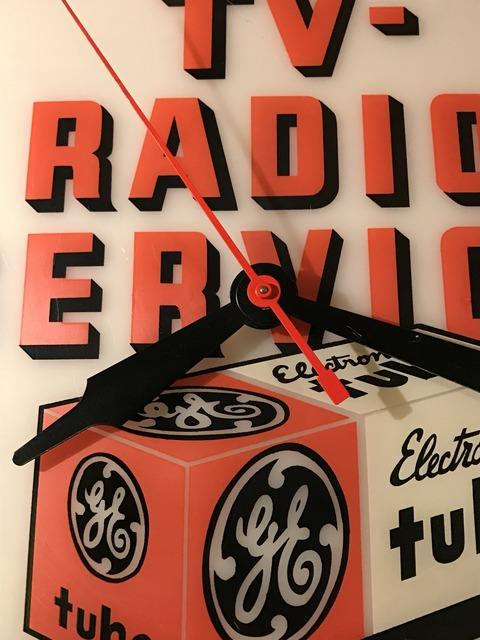 vintage TV radio service lighted wall clock (15)
