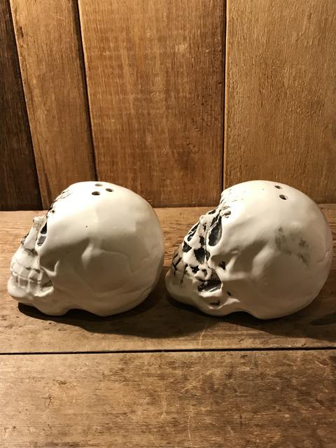 vintage ceramic skull salt & pepper shaker (6)