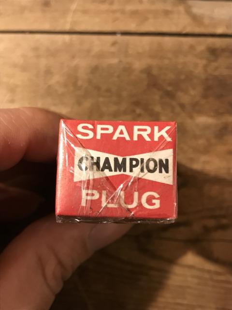 vintage champion spark plugs with 10 box set (35)