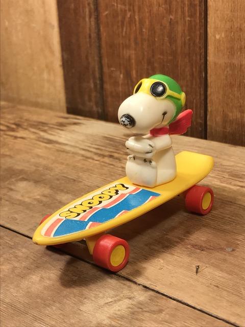 Vintage Aviva Snoopy Flying Ace Skateboard Toy (3)