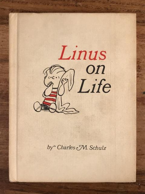 Vintage Hallmark Peanuts Snoopy Mini Picture Book (1)