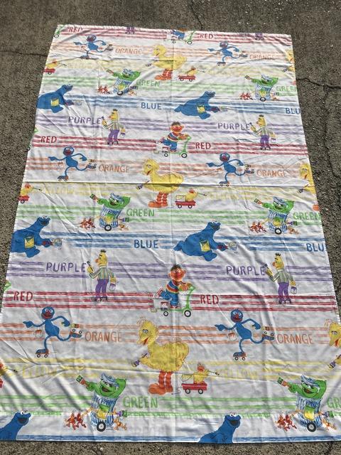 "Vintage Sesame Street ""Color"" Twin Flat Sheet (1)"
