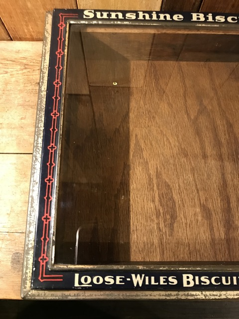vintage sunshine biscuts metal display case (8)