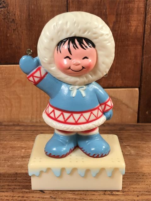 Vintage Li'l Eskimo Baking Soda Holder (1)