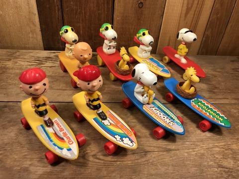 Vintage Peanuts Snoopy Skateboard Toy (25)