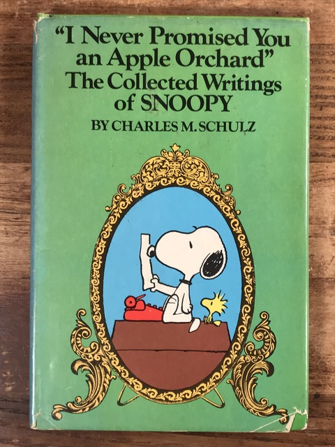Vintage The Collected Writings of Snoopy Picture Book (1)