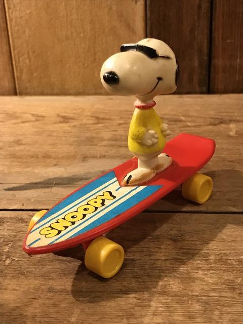 vintage snoopy peanuts aviva skateboard figure (1)