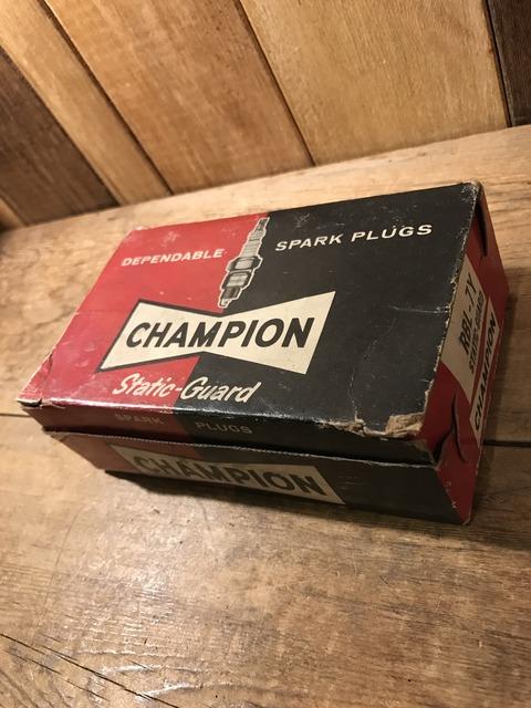 vintage champion spark plugs with 10 box set (22)