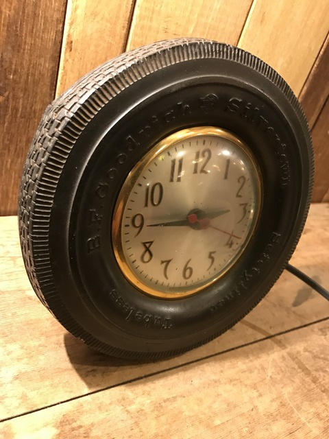 vintage BF goodrich silvertown tire wall clock (1)