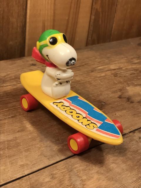 Vintage Aviva Snoopy Flying Ace Skateboard Toy (2)