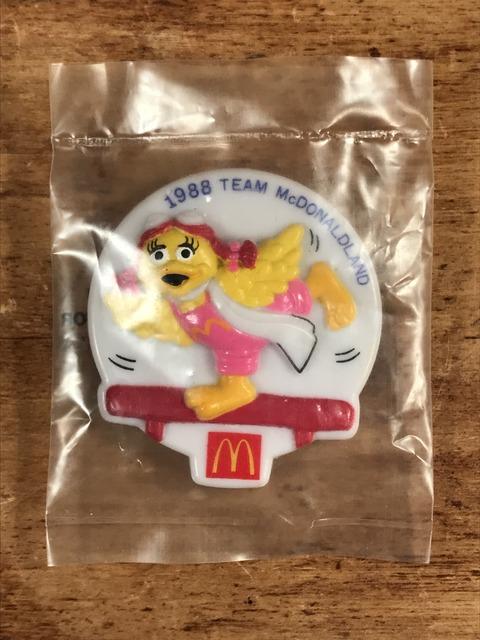 """Vintage McDonaldland """"Bardie"""" Olympic Team Clip Badge (1)"""
