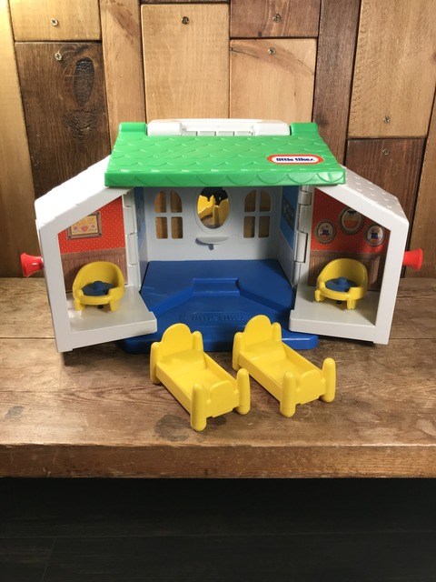 Vintage Little Tikes Toddle Tots Play House (10)