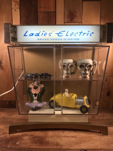 Vintage Ladies Electric Lighted Watch Display Case (24)