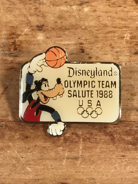 """Vintage Disneyland Olympic Team Salute """"Goofy"""" Enamel Pins (1)"""