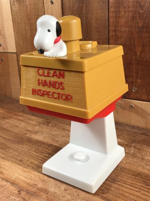 Vintage Peanuts Snoopy Soaper Clean Hands Inspector (2)