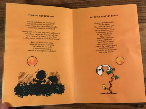 Vintage Hallmark The Peanuts Book Of Pumpkin Carols (12)