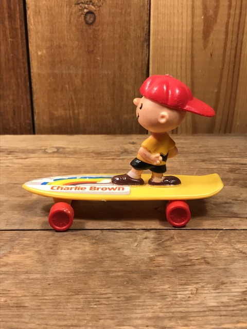 Vintage Aviva Snoopy Charlie Brown Skateboard Toy (4)