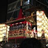 夜の宵山前祭り(長刀鉾)
