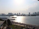 西に傾く太陽に染まるお台場海浜公園、6 May 2013