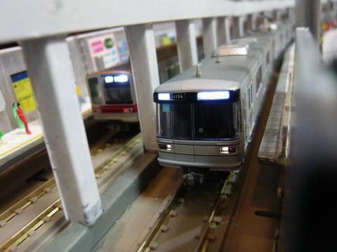 飢乃町駅と東京メトロ03系と東武20070系その1